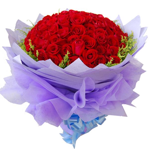 包装:淡紫色皱纹纸和棉纸多层尖角圆形包装,蓝色丝带束扎.