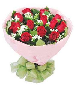12枝红玫瑰圆形花束(图片)-爱慕鲜花速递